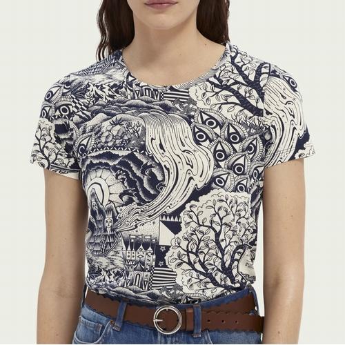 Laissez-vous séduire par ce joli t-shirt à col rond revisité