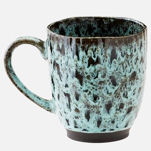 Adoptez ce mug en céramique pour vos boissons chaudes ! On
