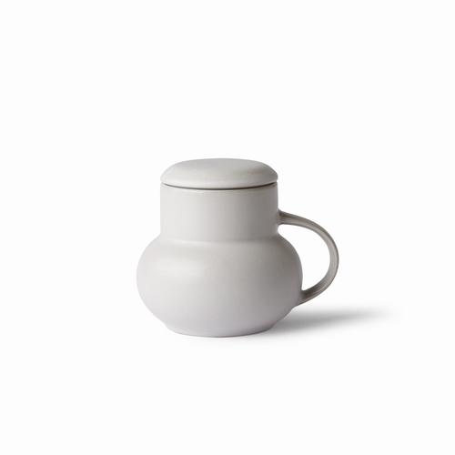 Craquez pour ce mug gris : il sera idéal pour boire votre