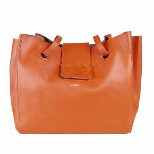 Optez pour ce magnifique grand sac / cabas porté épaule à