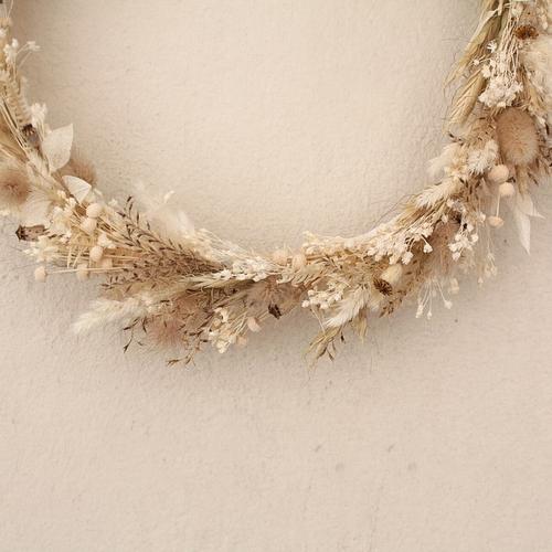 Pour une décoration douce et onirique, cette jolie couronne