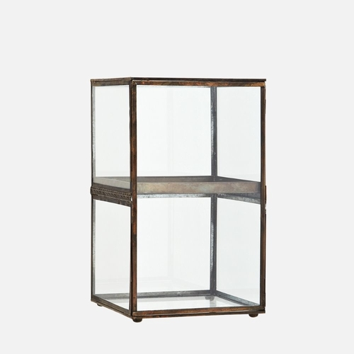 Vous laisserez-vous tenter par ce meuble en verre et laiton